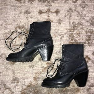 Women's size 8.5 via spiga heeled leather boots